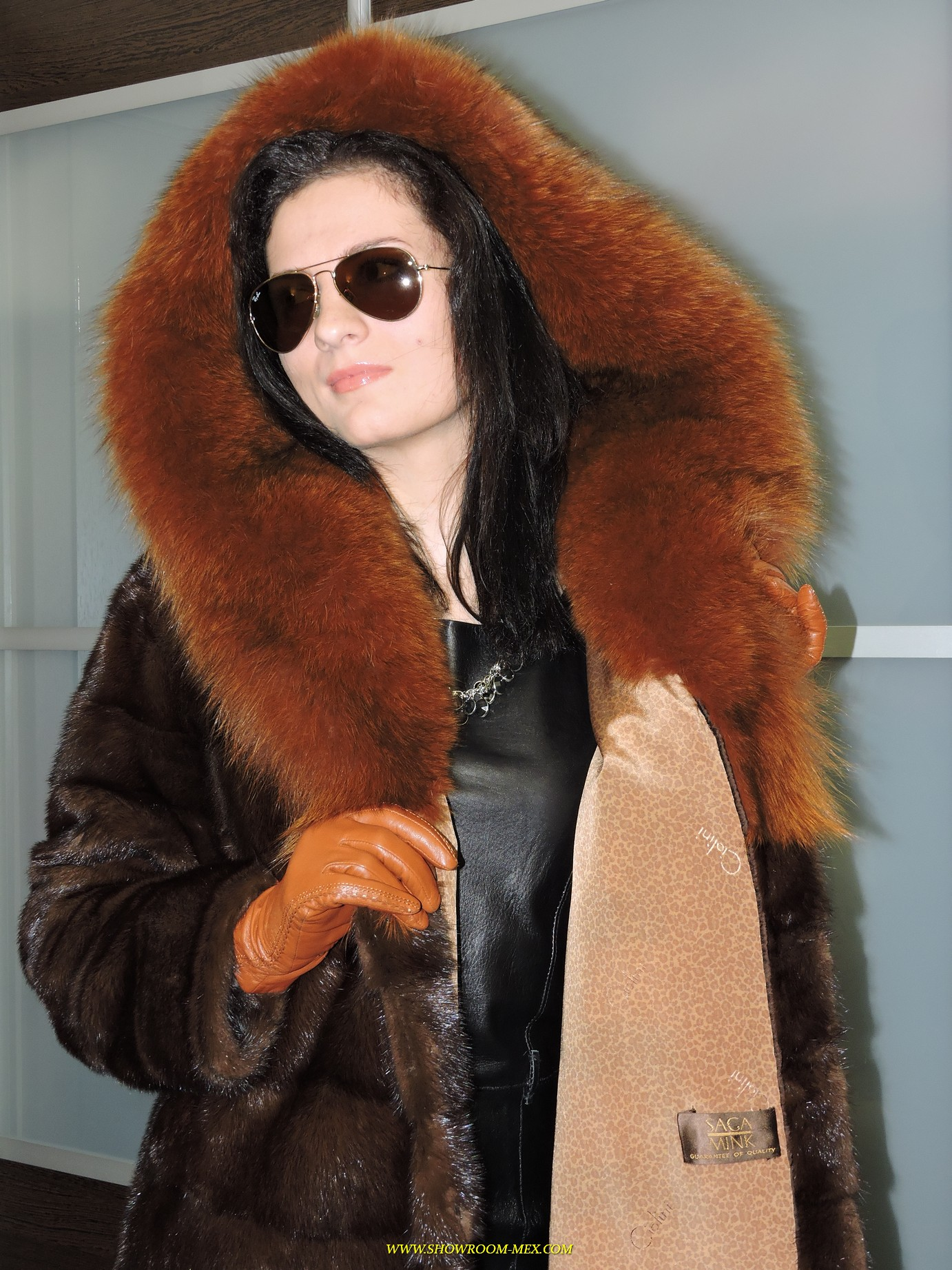 www.showroom-mex.com SAGA FUR FOX MINK COAT BOA17.JPG