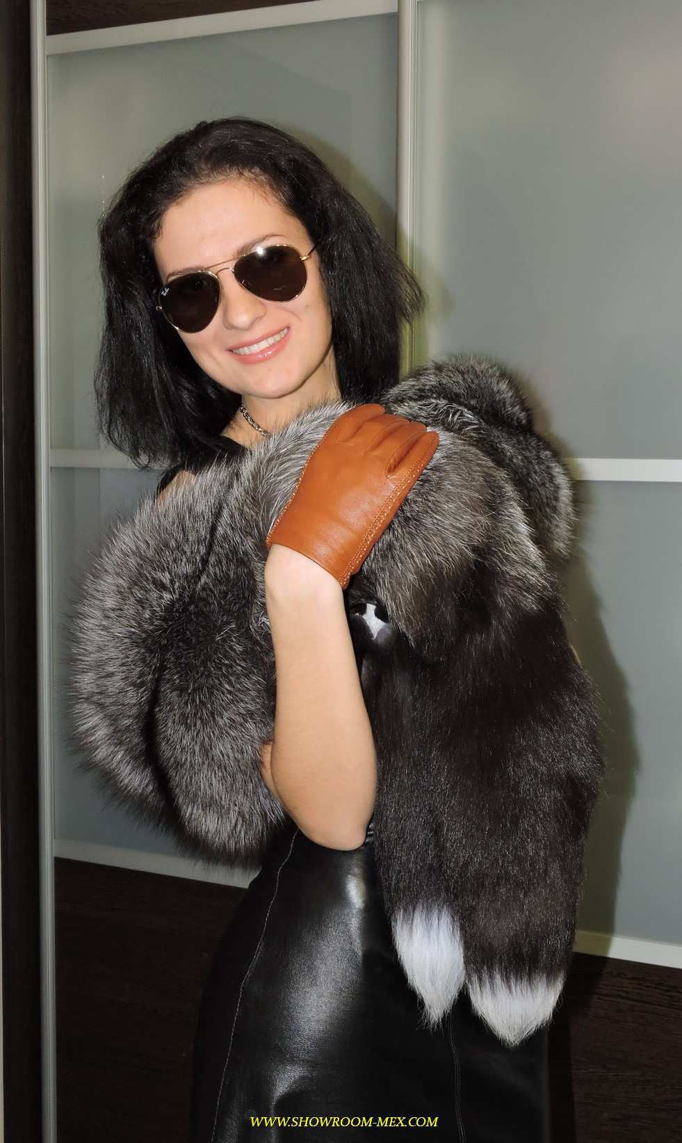 www.showroom-mex.com SAGA FUR FOX MINK COAT BOA36.JPG