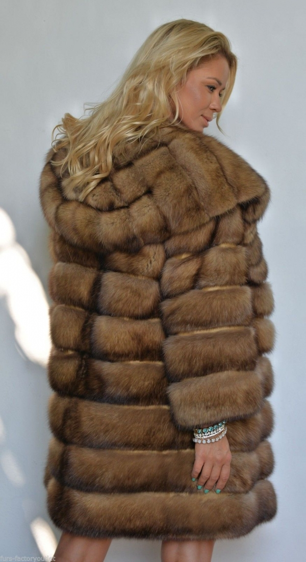 natural-gold-russian-sable-fur-coat-with-big-hood-3193-8.jpg