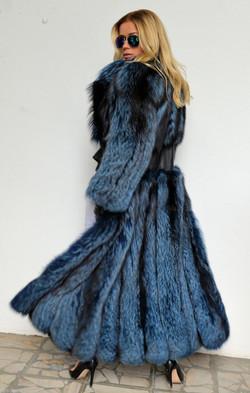 lafuria-2015-blue-royal-saga-fox-fur-long-coat-3524-7.jpg