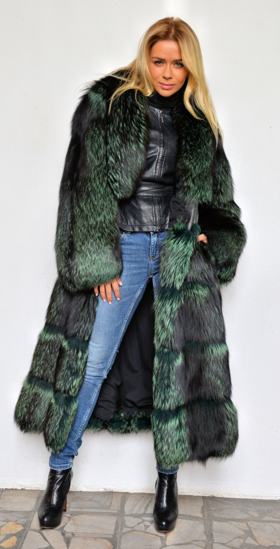 lafuria-2015-green-royal-saga-fox-fur-long-coat-3545-00.jpg