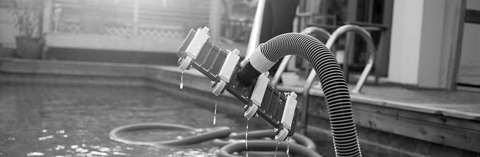 clean-pool-company-pool-vacuum.jpg