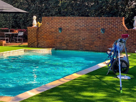 3 Reasons to Hire A Pool Cleaning Professional in 2021