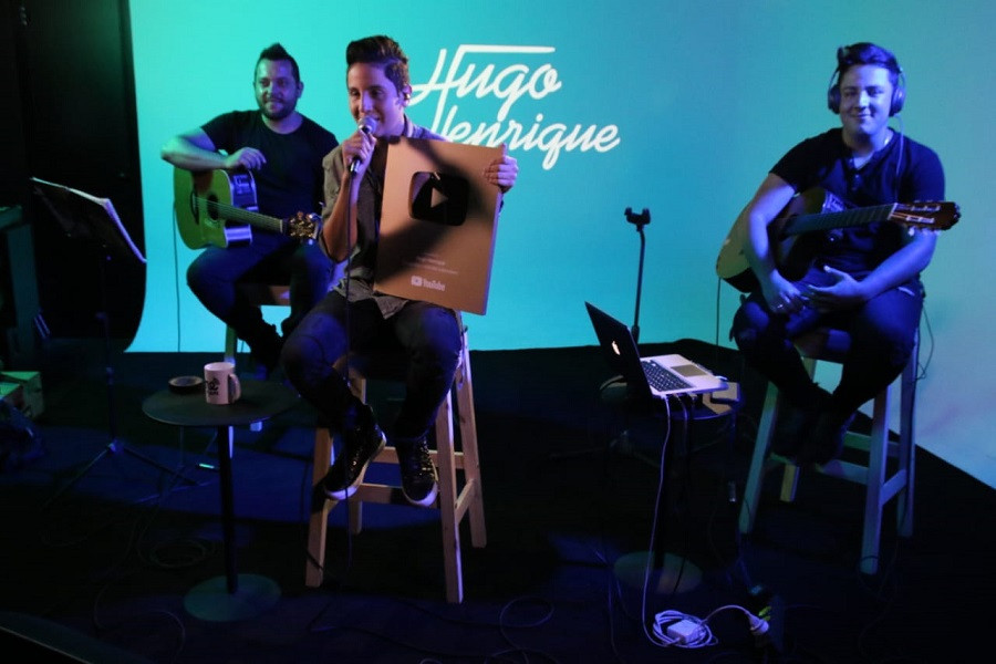 Hugo Henrique é homenageado em Showcase