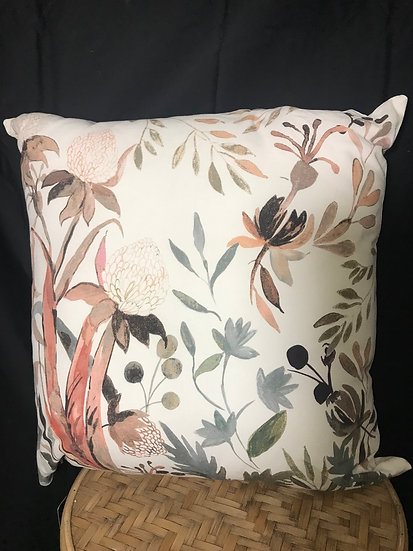MISCHA WHITE CUSHION