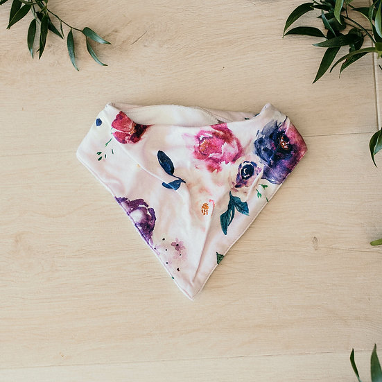 DRIBBLE BIB FLORAL KISSES