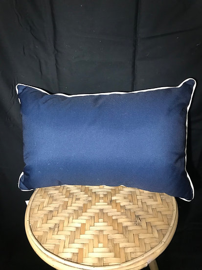 OUTDOOR CUSHION NAVY AND WHITE PIPE