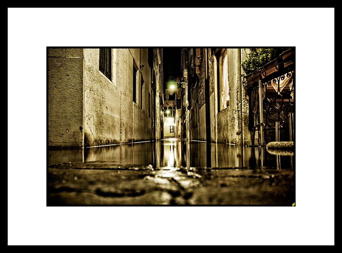 LOST IN VENISE HS 03.jpg