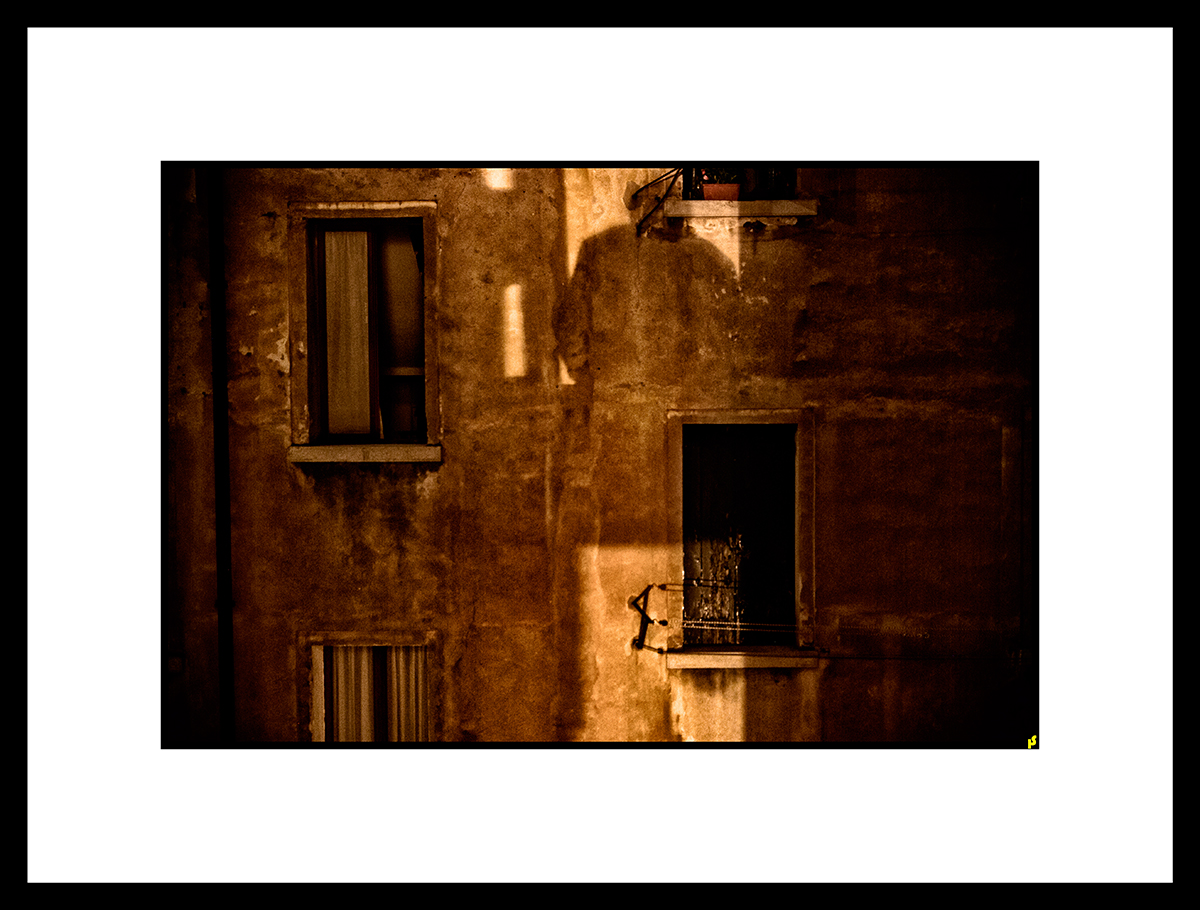 LOST IN VENISE HS 19.jpg