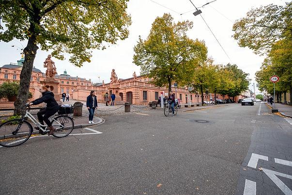 Mobilität_Schloss Rastatt Fußgänger Radf