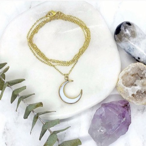 Natural White Shell Crescent Moon (Gold)