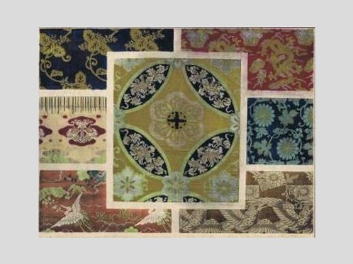 Morceaux de soie a decors divers