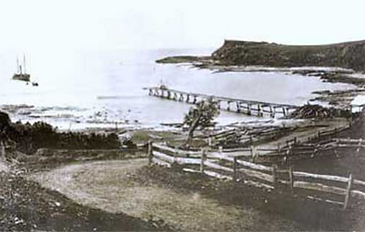 Boat harbour, Gerringong.PNG