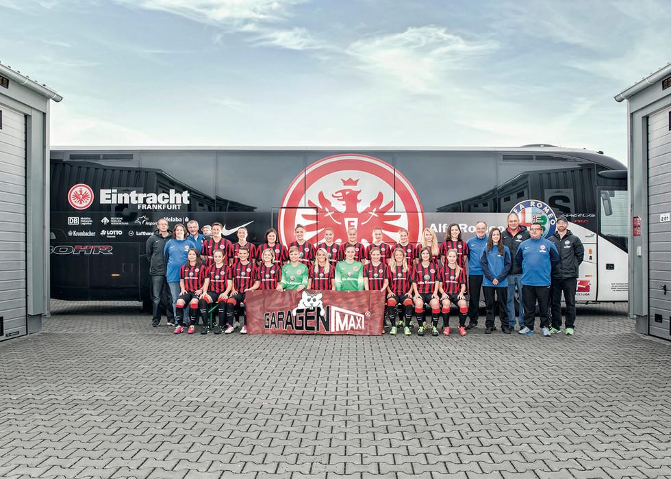 Eintracht Frankfurt Jonas Grom 01.jpg