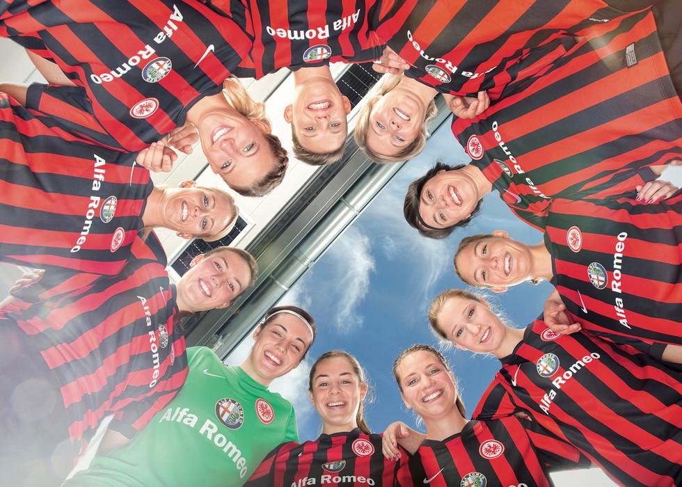 Eintracht Frankfurt Jonas Grom 05.jpg