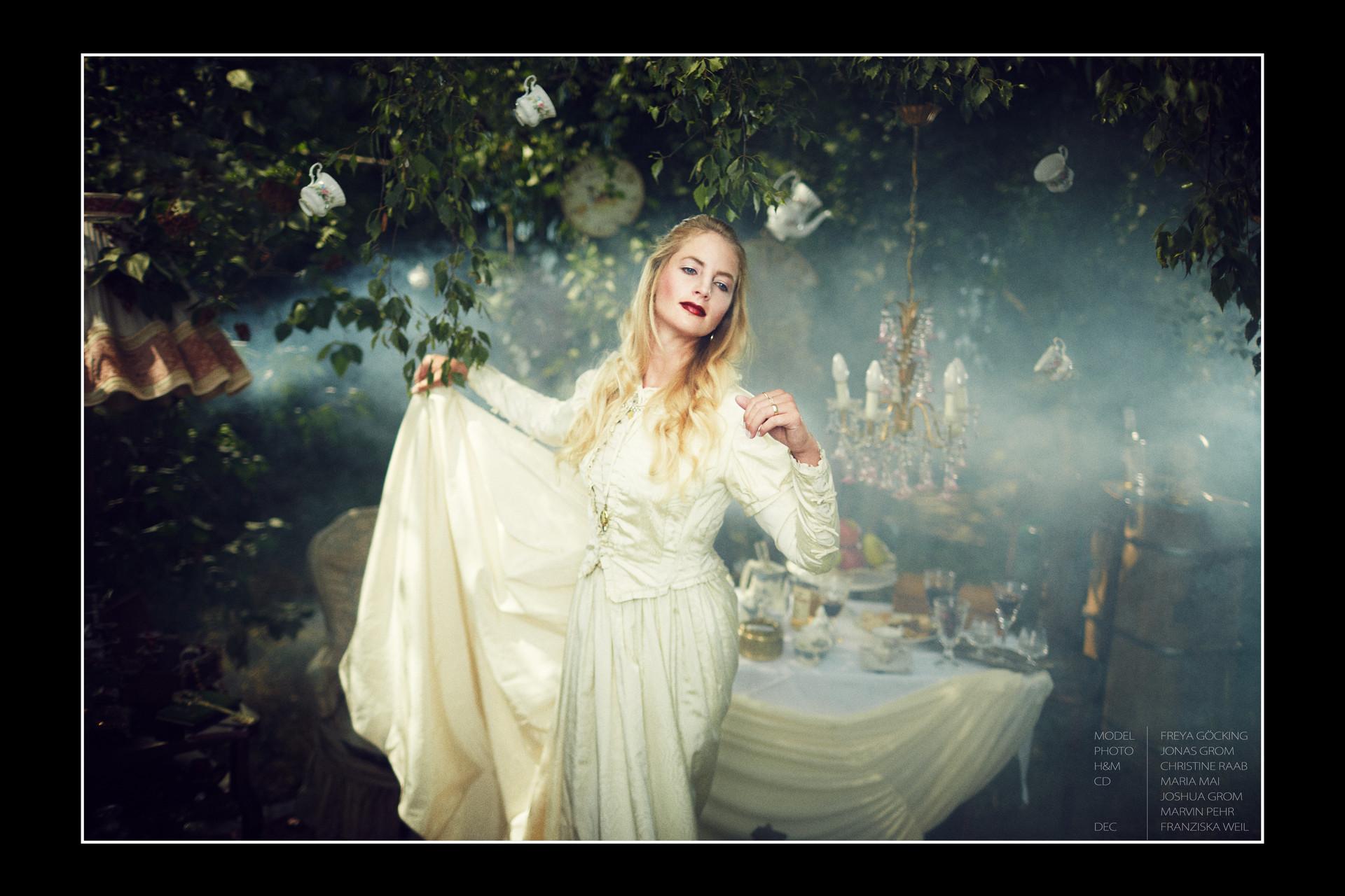 Alice457.jpg