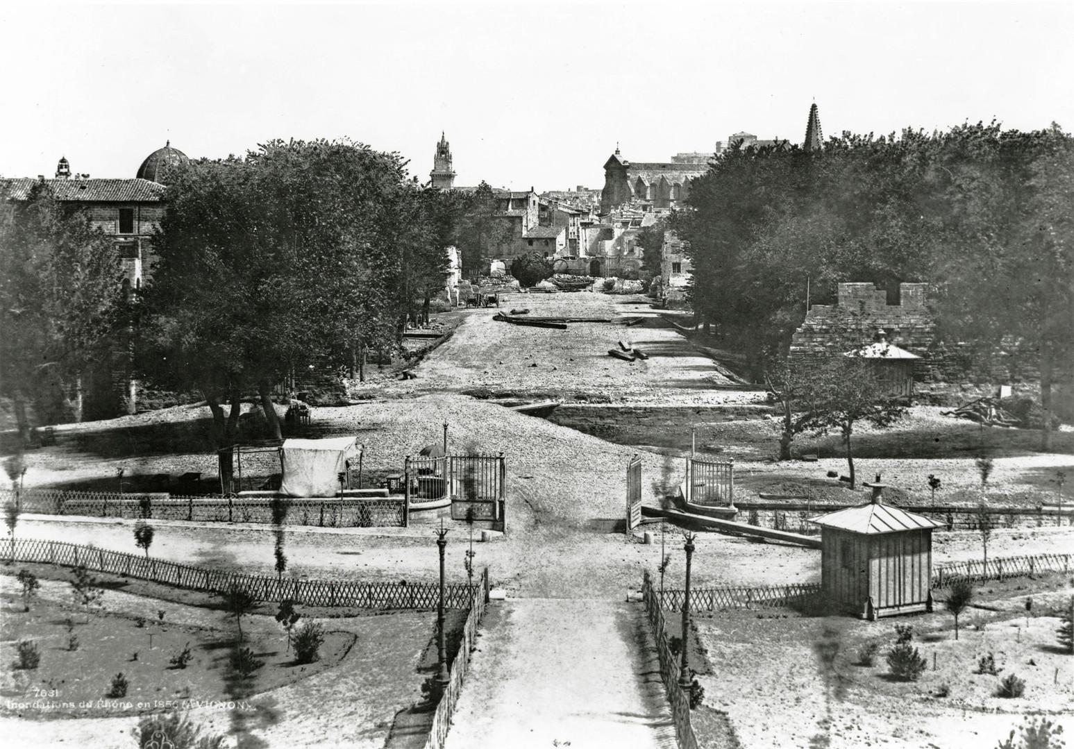 Percée Bonaparte, actuel cours Jean-Jaurès, depuis la gare