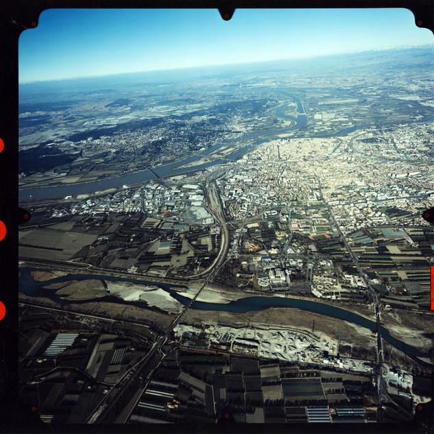 Vue aérienne des communes d'Avignon, au premier plan, et des Angles, Villeneuve-lès-Avignon et Châte