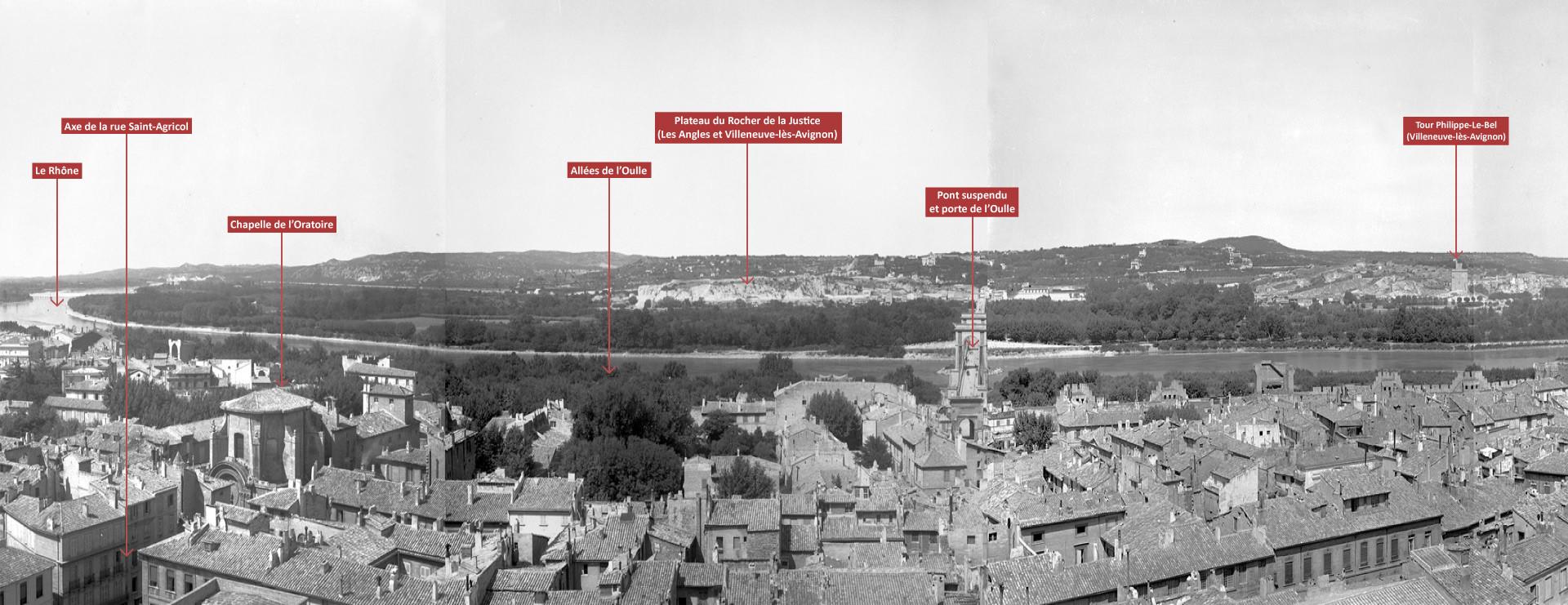 Vue panoramique d'Avignon depuis le beffroi de l'hôtel de ville 3/4