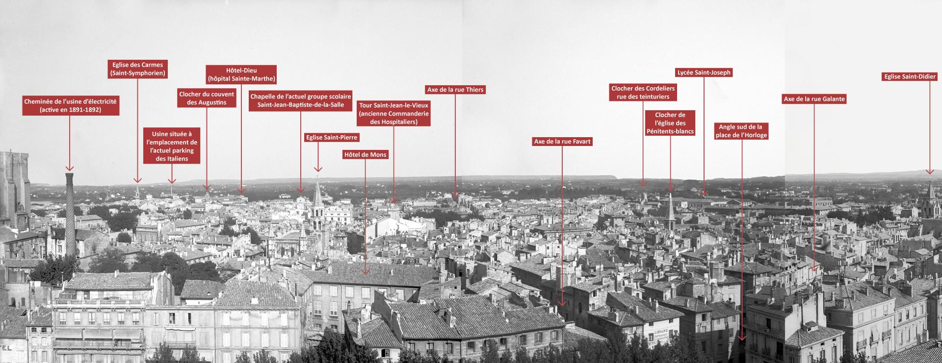Vue panoramique d'Avignon depuis le beffroi de l'hôtel de ville 1/4