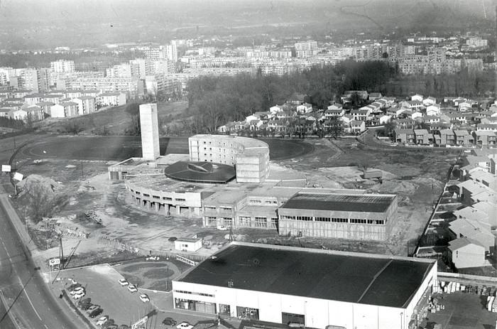 Vue aérienne de la caserne des pompiers en construction avenue de Fontcouverte