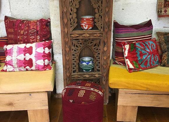Design Anatolia stools / pufs