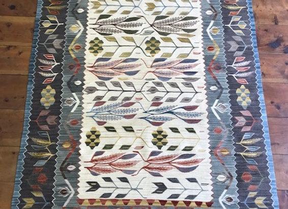 New Usak 'Wheat Design' Kilim