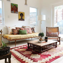 Love the styling of this room from#_theb