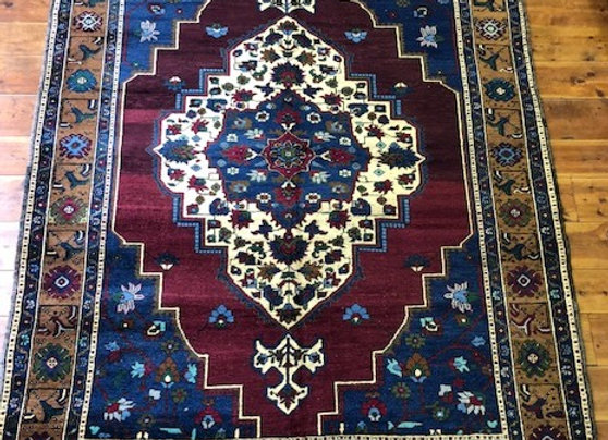 Vintage Taspinar Medallion Rug - Turkey     Excellent Value!