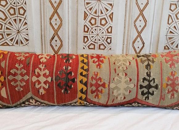 Vintage Kilim Pillow                                              Lumber 90 x 30