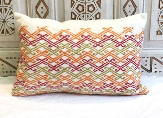 Vintage Kilim Pillow                                                  60 x 40 cm