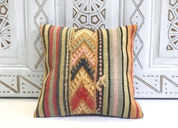 Kilim Throw Pillow                                                       40x40cm