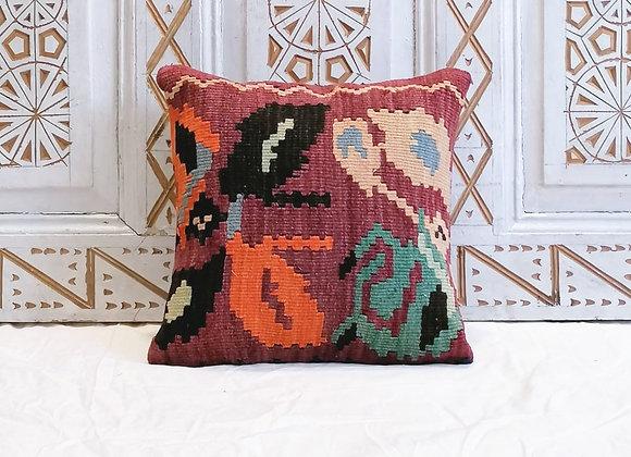 Vintage Kilim Pillow                                                  40 x 40 cm