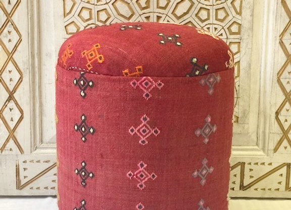 Vintage kilim Pouf - Sienna red with details