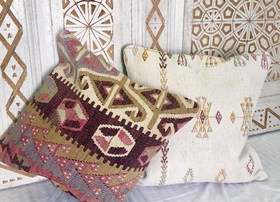 Vintage Boho Kilim Pillow -40 x 40 Graphic side motif