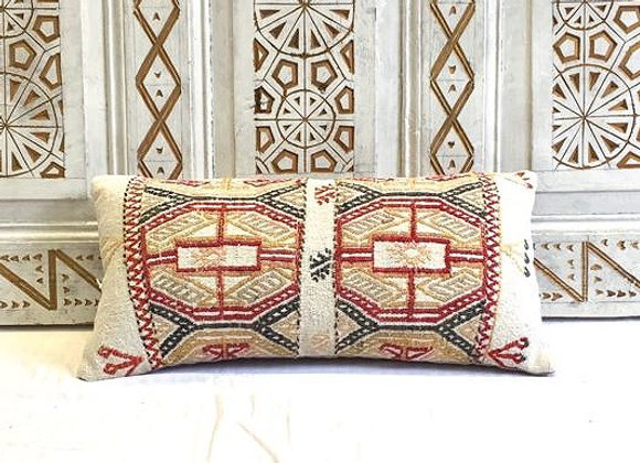 Vintage Kilim Pillow                                                   60 x30 cm