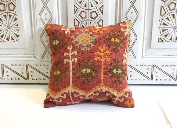 Turkish Kilim Throw Pillow                                            40 x 40 cm
