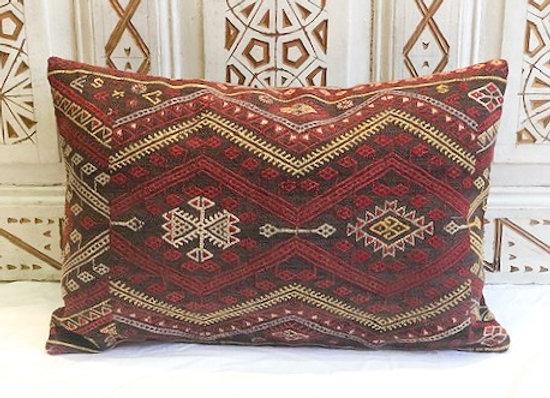 Fine Vintage Kilim Pillow                                              60 x40 cm