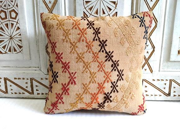 Vintage Kilim Throw Pillow           40 x 40 cm Caramel Flowers