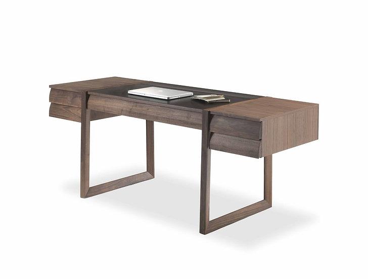 Elle Desk