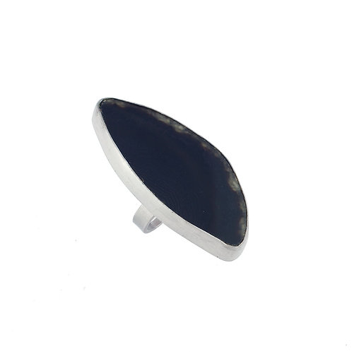 Anillo de ágata negra con chapa de rodio
