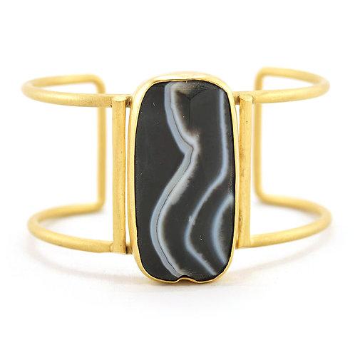 Brazalete Eterea de agata Negra con chapa de oro | Gold plated black agate cuff bracelet