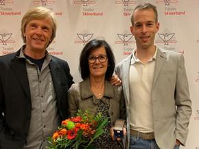 Silbernes TSV-Ehrenzeichen für Manuela Kern