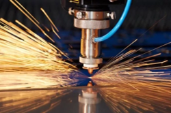 GaN laser diode for industrial cutting