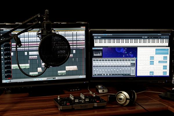 studio-1004158_1280.png