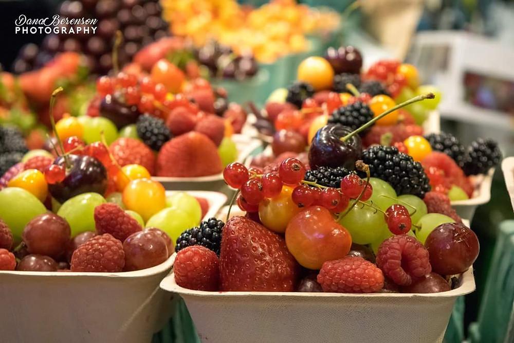 מבחר פירות יער משוק, Granville Island Vancouver Canada