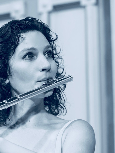 Inna Leoni, Flute