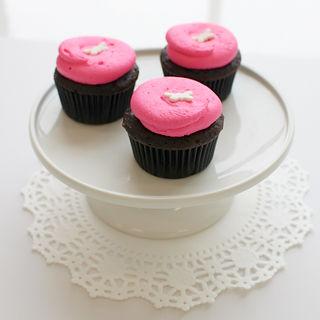 Hot Pink Vanilla Cupcakes