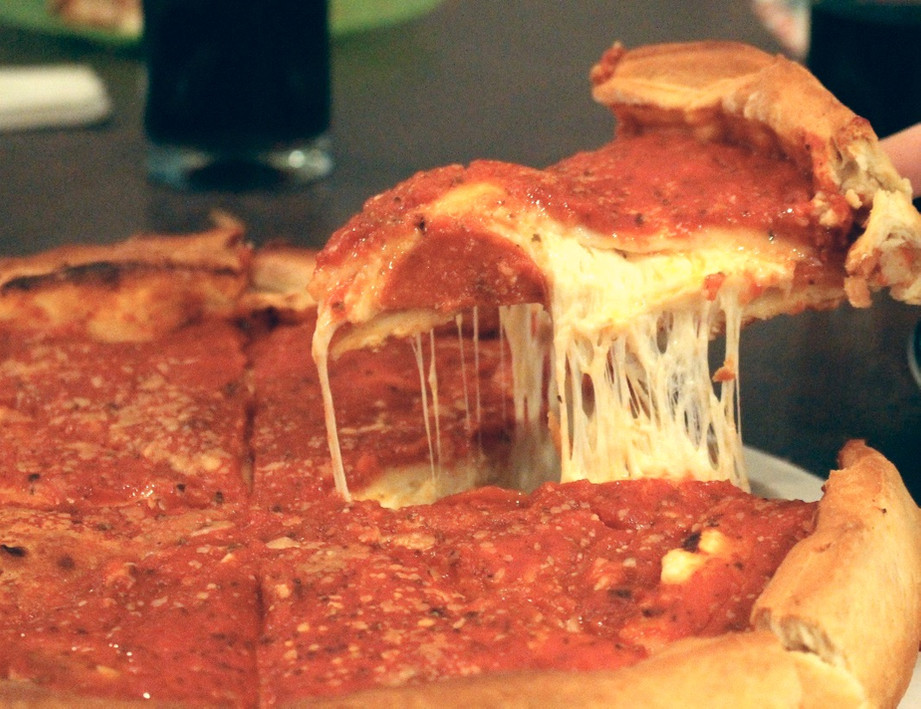 A Taste of Chicago – A Tale of Two Pizzas