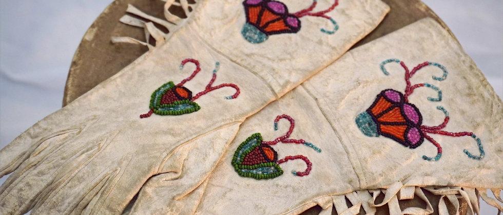 Ladies Deerskin Gloves 1920